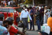 Тысячи людей «застряли» в столице Бангладеш из-за локдауна: Общество: Мир: Lenta.ru