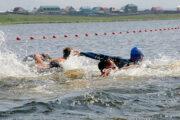 В Бурятии стартовал заплыв в поддержку экологии озера Байкал: Люди: Моя страна: Lenta.ru