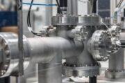Рекордные цены на газ начали останавливать заводы в Европе
