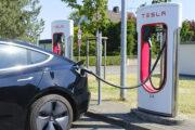 Жители европейской страны отказались покупать обычные машины: Рынки: Экономика: Lenta.ru